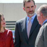 Las veces que Letizia y Felipe VI humillaron a Juan Carlos I