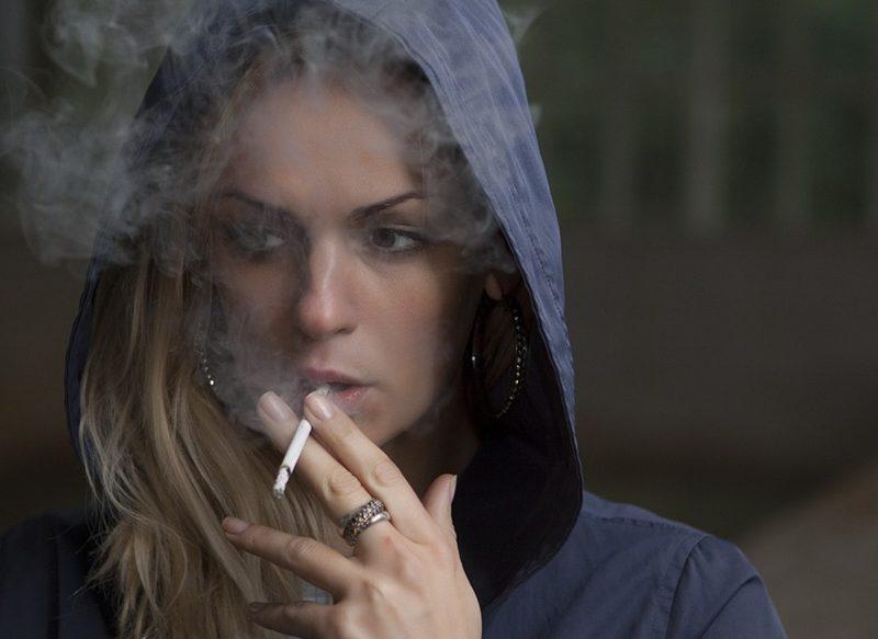 Dejar de fumar poco a poco o de golpe: qué te conviene intentar