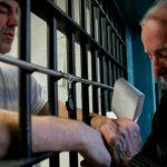 Asistencia espiritual por ayudas: así es el negocio redondo de la Iglesia con las prisiones