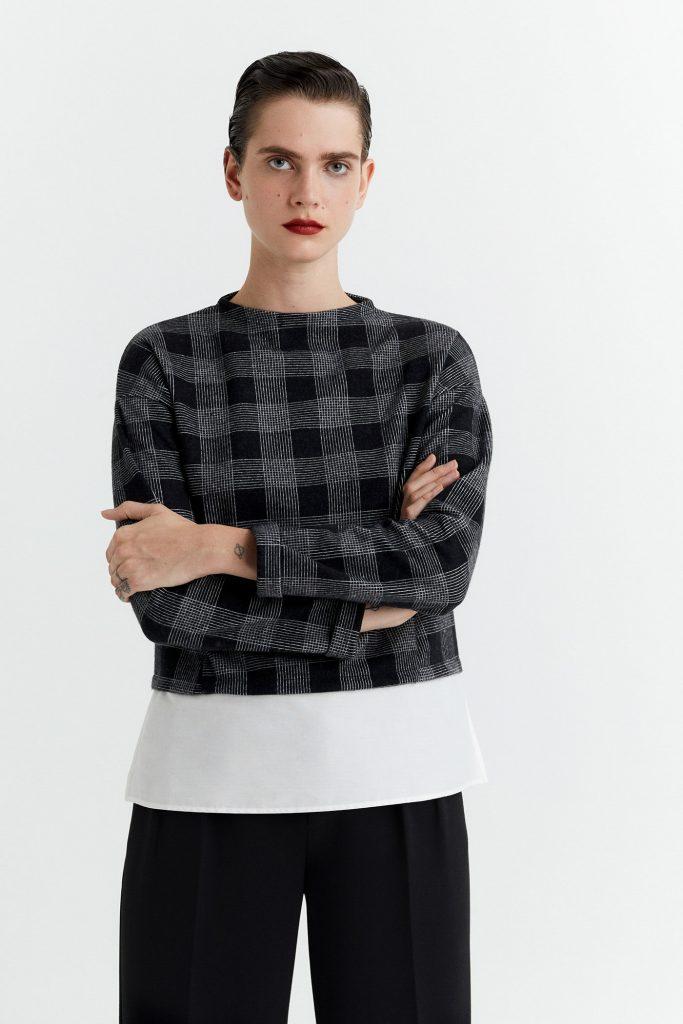 Camiseta estampada tejido combinado con faldón