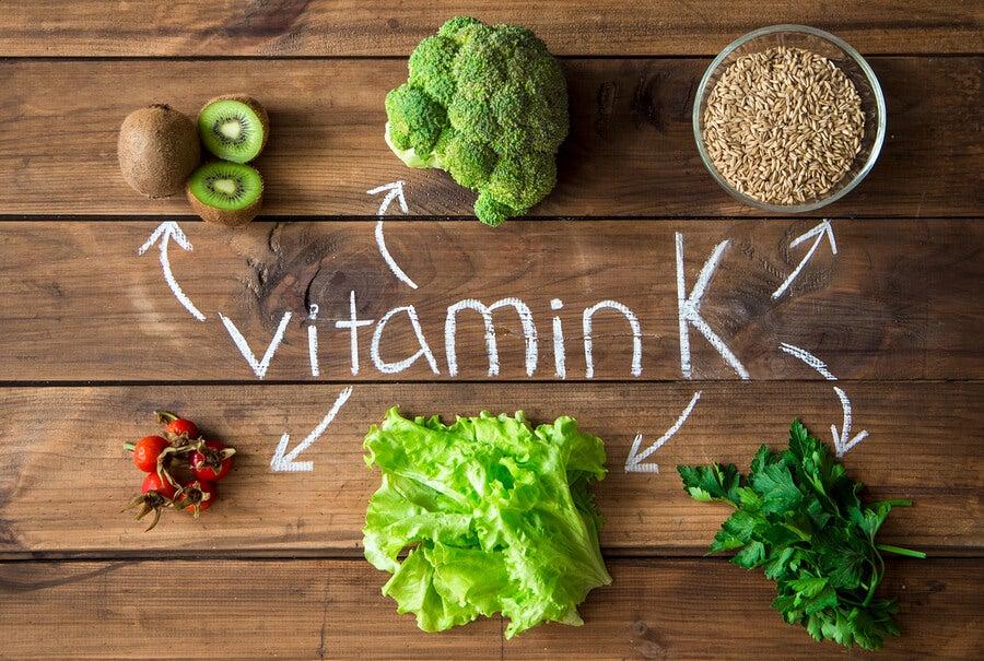 La vitamina K en alimentos