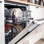 Los trucos de la OCU para mejorar el funcionamiento del lavavajillas y alargar su vida