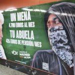 Los carteles de Vox en el Cercanías desatan la indignación de la izquierda