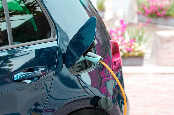La escasa eficiencia de baterías en los coches eléctricos