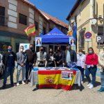 El PP de Madrid se convierte a la cofradía del puño cerrado y no paga la estancia a sus concejales