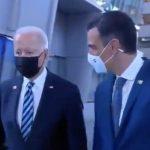 Iván Redondo lanza una cortina de humo publicitaria para edulcorar la chapuza con Biden