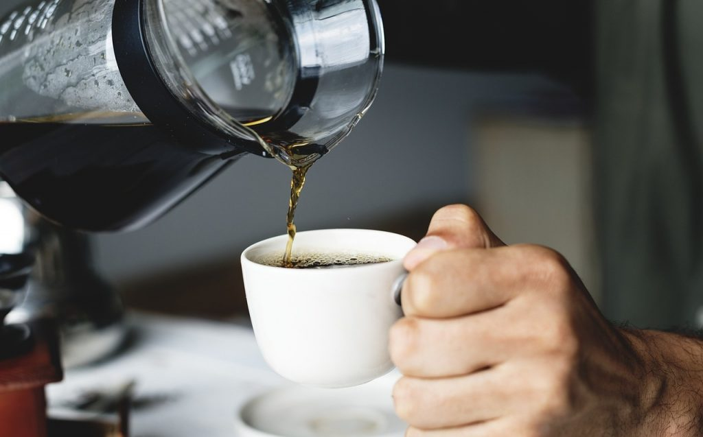 ¿Por qué es importante planificar las horas del día para tomar café?