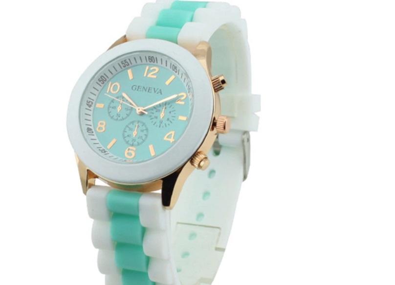 reloj tonos pastel