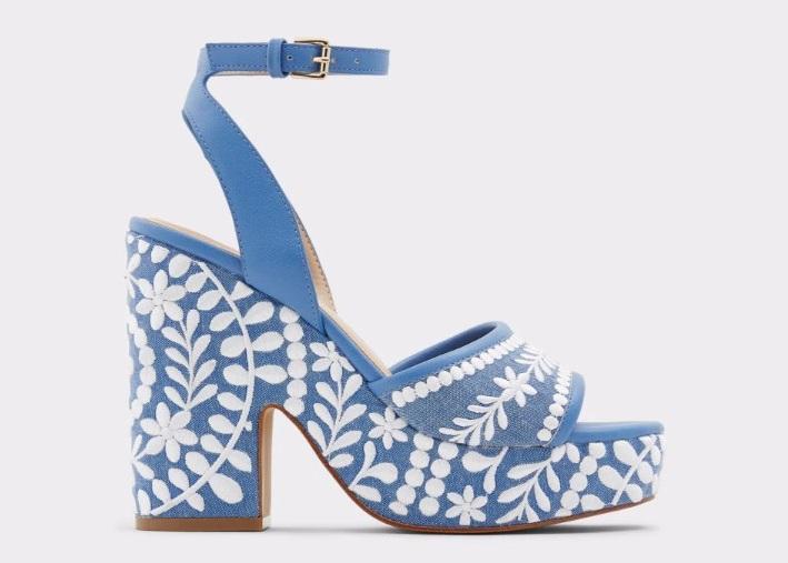 sandalias con bordados aldod