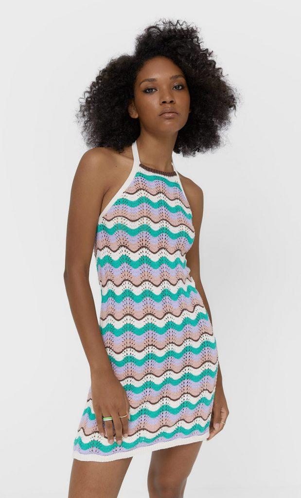 vestido crochet stradivarius