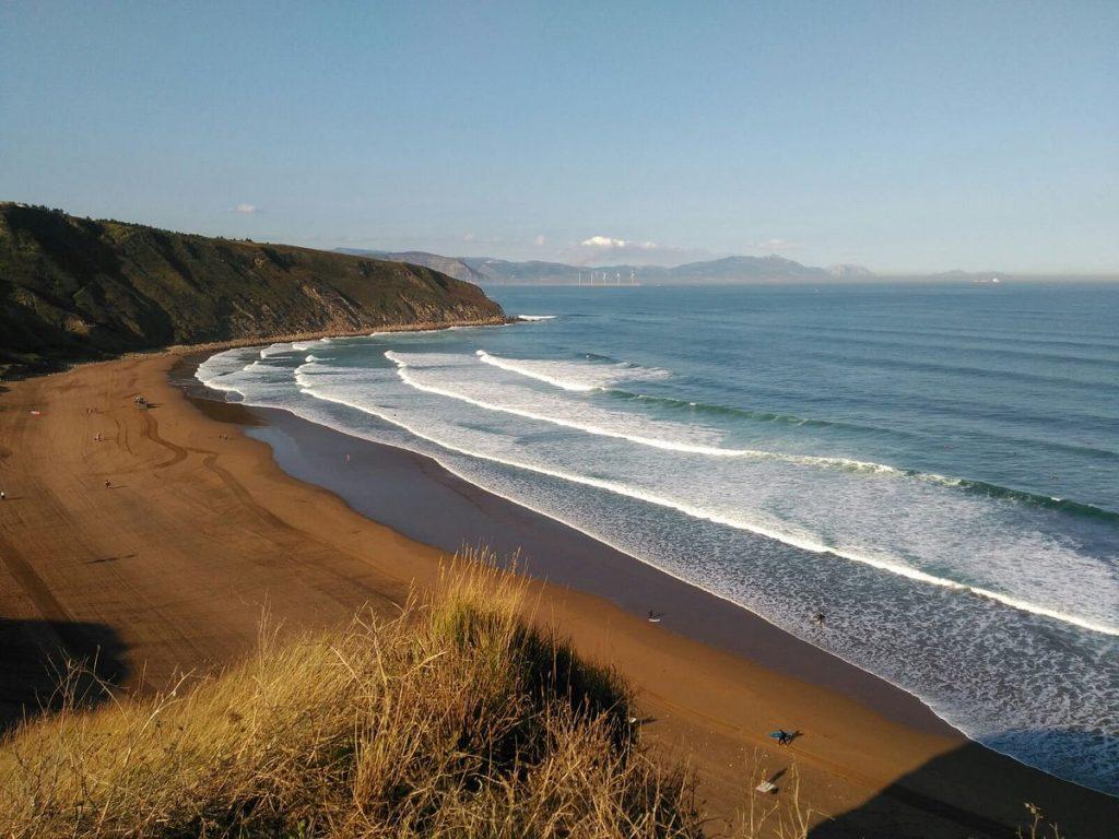 Sopelana, playa ideal para el surf Bolbao