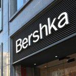 El abrigo contraste de Bershka que te abrigará hasta marzo por 39,99 euros