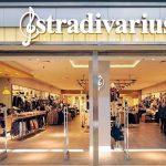 La camisa de Stradivarius para vestir como una modelo por 12,99 euros